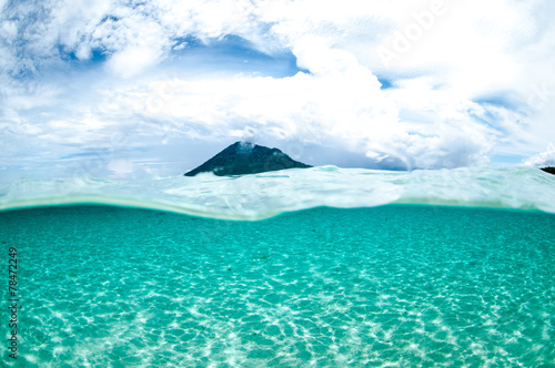 Staande foto Indonesië mountain over the sea view bunaken indonesia underwater