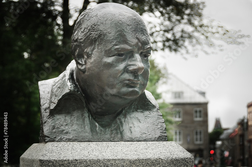 Winston Churchill bronze sculpture - 78489443