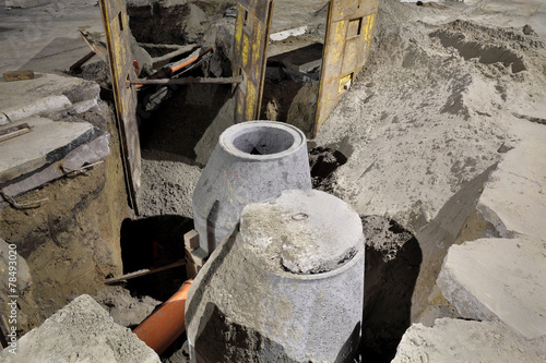 Hydro construction work, reconstruction of sewerage, night photo - 78493020