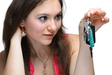 Junge Frau Schlüsselübergabe