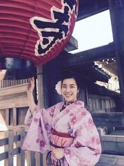 girl in kimono and red lantern