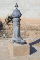 Fuente de piedra del parque Meridiano (Castellón - España)..