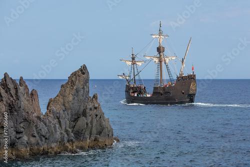 "Leinwandbild Motiv Tourists making a cruise with a replica of vessel ""Santa Maria"""