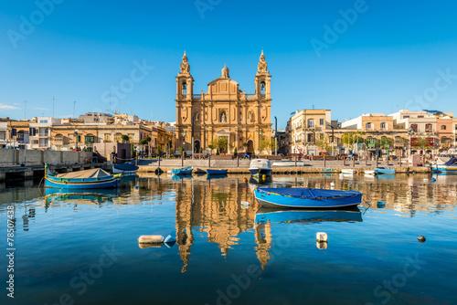 Poszter Église et bateaux de pêche à Sliema, Malte