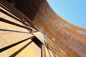 Oil tank construction