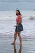 jeune fille souriante à la plage - pacifique Costa Rica