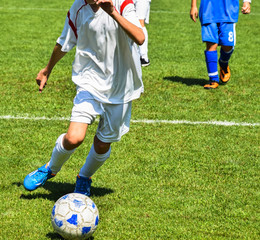 Kid soccer players