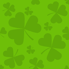 Green seamless clover leaves