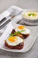 entrecote with a fried egg