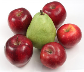 Five apples and a Pear