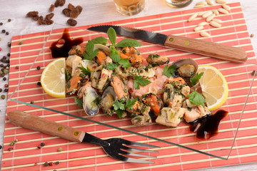 APPETIZER WITH FISH AND SHELLFISH