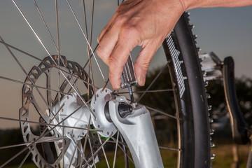 Mountainbike maintenance work