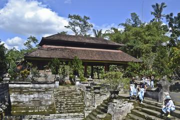 Gunung Kawi Tombe reali di Udayana Tempio e di Goa Gajah