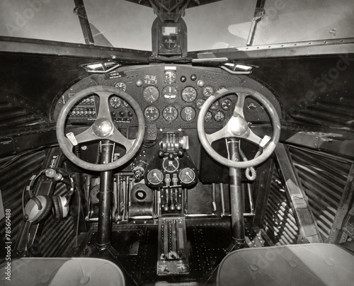 Old airplane cockpit - 78560488