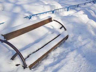 snow bench2