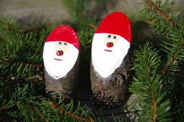 Bastelarbeit Weihnachtsmänner 6