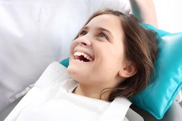 Zdrowe zęby, piękny uśmiech, stomatologia