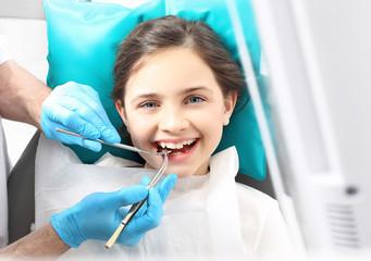 Dziecko u dentysty, przegląd dentystyczny