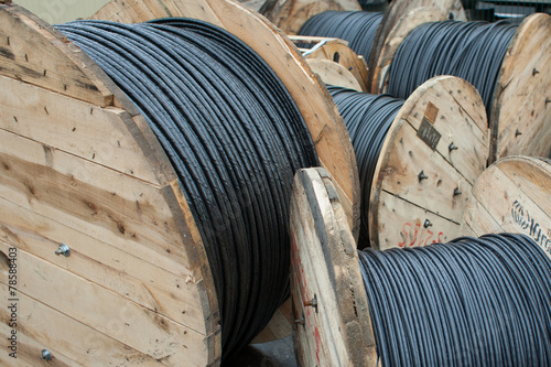 High voltage cables with drops - 78588403
