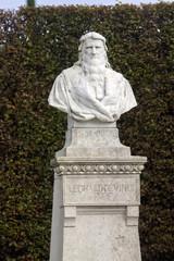 Francia,Loira, castello di Amboise, busto di Leonardo da Vinci.