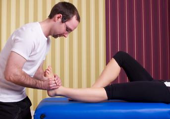 physiotherapeutische Behandlung des Fußes