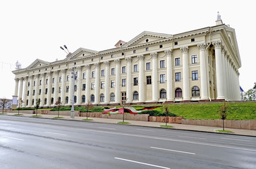 Building with columns in the center of Minsk