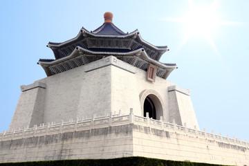 自由廣場から見上げる中正紀念堂