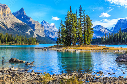 Foto op Canvas Canada Spirit Island in Maligne Lake