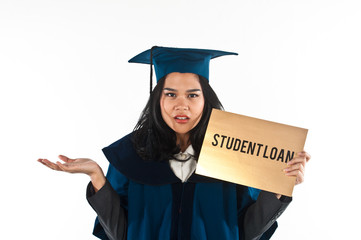 Female Student Confused How to Pay Her Student Loan