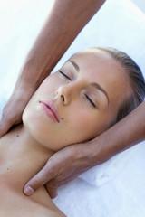Nape of the neck massage