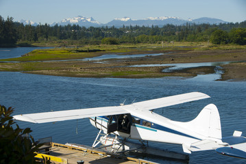 Hydroplane on a lake