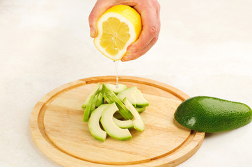add lemon juice to avocado