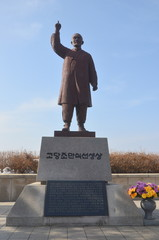 チョ・マンシク像