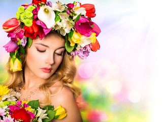 Spring portrait. Beauty hairstyle with flowers
