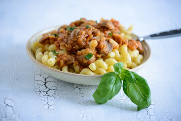 Nudeln mit Linsen-Bolognese