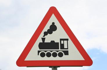 Schild für Bahnübergang