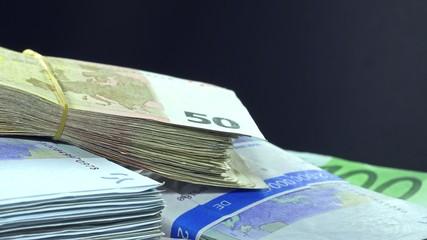 Rotating Euro Banknotes (not loopable)