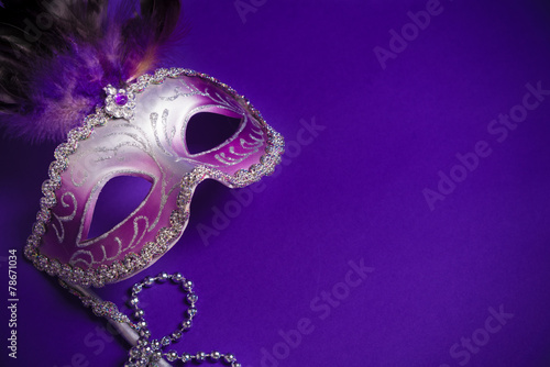 Foto op Canvas Carnaval Purple Mardi-Gras or Venetian mask on purple background