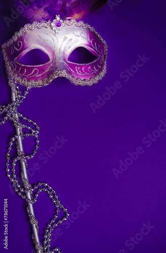 Poster Carnaval Purple Mardi-Gras or Venetian mask on purple background