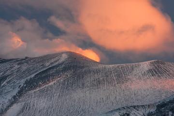 夕暮れの浅間山