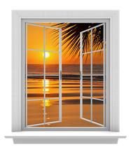 Ouvrir la fenêtre avec vue sur la plage tropicale et orange coucher de soleil