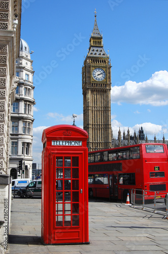 Foto op Plexiglas Noord Europa Telephone box, Big Ben and double decker bus in London