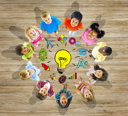 Group Children With Light Bulb Symbol Concept