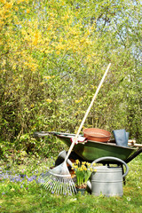 Gartengeräte, Gartenarbeit, Frühling