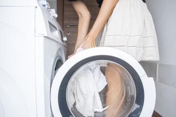 caricare la lavatrice