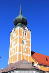 Der Kirchturm der Pfarrkirche von Schladming (Steiermark)