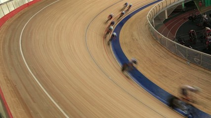 Pursuit Cycling race Indoor track