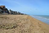 Fototapety La plage de Lion sur Mer (Normandie)