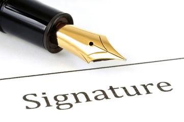 Signature et stylo plume