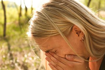 allergy woman sneeze